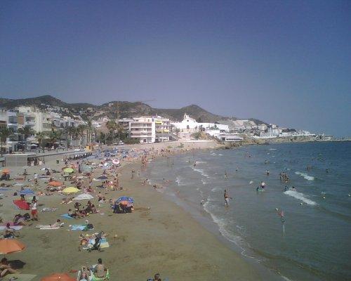 La playa de San Sebastià, en Sitges.